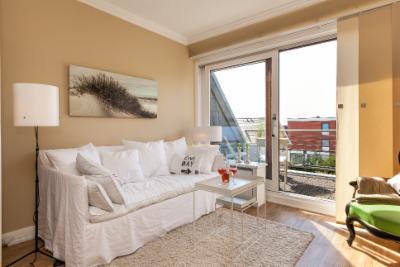 home auf sylt sylt nest das nest auf sylt strandnahe maisonette ferienwohnung im hampton. Black Bedroom Furniture Sets. Home Design Ideas